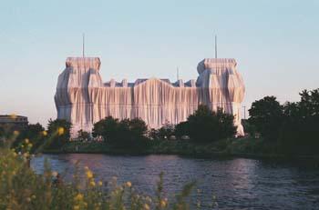 Bild von Berlin Wrapped Reichstag (Christo)
